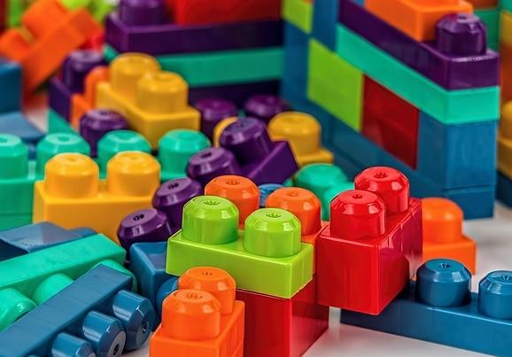 Analisis de juguetes y articulos escolares en Peru