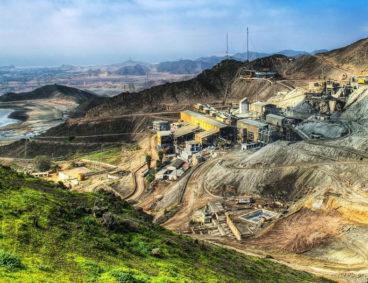 Análisis de relaves mineros y muestras sólidas